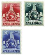 Ref. 300406 * HINGED *  - INDONESIA . 1955. DIA DE LOS HEROES - Indonesia