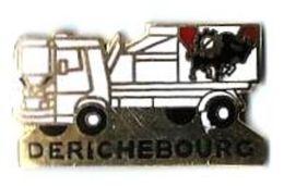 CAMION - C61 - CAMION BENNE - DERICHEBOURG - Verso : ? - Badges