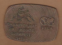 AC - WRESTLING LUTTE PARTICIPATION PLAQUE FIFA WORLD CUP BUDAPEST 1986 HUNGARY CHAMPIONNAT DU MONDE BUDAPEST 1986 MEDAL - Apparel, Souvenirs & Other