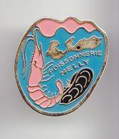 Pin's Poissonnerie Nelly Le Bois Plage En Ré En Charente Maritime Dpt 17 Crevette Moule    Réf  6477 - Cities