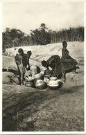 ( AFRIQUE )(  NIGER. ) ( NIAMEY ) FEMMES AU PUITS - Niger