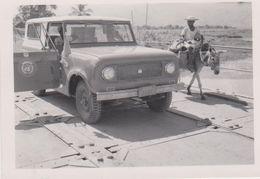 Haiti,passage à L'étang De Léogane,prés De Port Au Prince,région Prospère,voiture Unicef  ,humanitaire Au Travail,rare - Haïti
