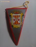 Banderín De Vic. Barcelona. Cataluña. España. Años '60-'70 - Escudos En Tela