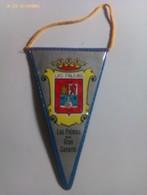 Banderín De Las Palmas De Gran Canaria. Islas Canarias. España. Años '60-'70 - Escudos En Tela