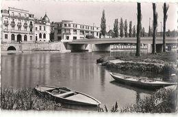 L 575 MELUN LE PONT JEANNE D ARC  1955 - Melun
