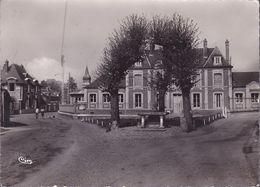 CPSM - 27 - LA CROIX SAINT LEUFROY - La Mairie La Poste - GF - Frankreich