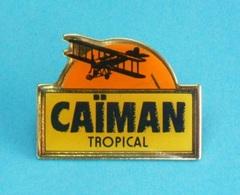 1 PIN'S // ** AVION / BIPLAN ** CAÏMAN ** TROPICAL ** - Avions