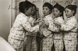 """Les Quintuplées Dionne # 15 - CPM   """" Jumelles Dionne""""  Né En 1934, """" Publicité Colgate"""" - Ont, Canada, Reproduction - Groupes D'enfants & Familles"""