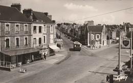 CPSM 35 Saint Malo - Courtoisville - Dentelée - Saint Malo