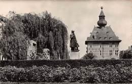 VISE - Hôtel De Ville Et Monument 14-18 - Wezet