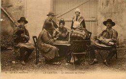 JEUX - JEU DE CARTES - PARTIE DE CARTES - LE CENTRE - MUSICIENS - COSTUMES - COIFFES - Cartes à Jouer
