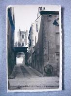 66 PERPIGNAN -Vue De L' Eglise St Jacques Depuis Une Rue CARTE PHOTO ( P. Goudin Photographe à Font Romeu ) - Perpignan