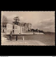TURKEY 1920s MAILED POSTCARD TO HOLLAND ISTANBUL PALAIS DE DOLMA BAHCE - 1934-39 Sandjak Alexandrette & Hatay