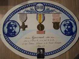 TABLEAU AVEC MEDAILLES COMMEMORATIVES 14-18 SOLDAT BELGE. - 1914-18