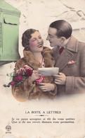 CPA Couple, Déclaration D'amour, Devant Une Boîte Aux Lettres, Editions Noyer, N°2749 - Couples