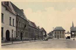 Chièvres - La Grand'Place, à Gauche La Gendarmerie (Artcolor, Oldtimer) - Chièvres