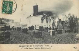 51-26   CPA  AY EN CHAMPAGNE  Révolution  Avril 1944 La Maison D 'habitation Bissinger En Feu - Ay En Champagne