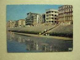 28413 - HEIST AAN ZEE - HOTEL DE VUURTOREN - STRAND EN ZEEDIJK - ZIE 2 FOTO'S - Heist
