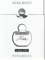 N.RICCI . Les Belles De NINA  Carte Embossée Dans Un étui  2 Scans - Cartes Parfumées