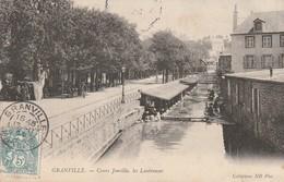 + CPA 50 Granville Cours Jonville - Les Lessiveuses + - Granville