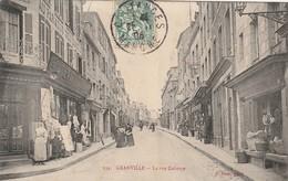 + CPA 50 Granville - La Rue Couraye + - Granville