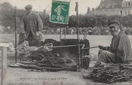 + CPA 50 Saint Lô Un Tournou D'gigot à La Feire - Marché, Foire + - Saint Lo