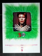 PLAN MEDIA BON DE PRECO AFFICHE PLIEE FORMAT 60X40 DAVID BOWIE ZIGGY STARDUST 30 TRES BON ETAT RARE - Manifesti & Poster