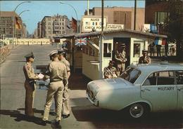 11368657 Zoll Grenze Douane Berlin Friedrichstrasse Checkpoint Charlie Zoll Gren - Métiers