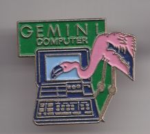 Pin's Gemini Compuuter Ordinateur Flamand Rose  Réf 8084 - Animals