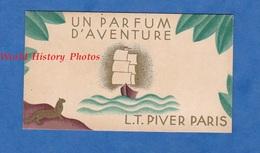 Carte Ancienne Parfumée - Calendrier 1933 / 1934 - Maison L.T. PIVER Parfumeur PARIS - Parfum D'Aventure - Maquet Grav. - Calendars