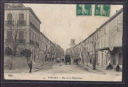 CPA 84 - PERTUIS - Rue De La République TB PLAN Avenue CENTRE VILLAGE ANIMATION ATTELAGE AUTOMOBILE + Oblitération - Pertuis