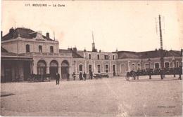 FR03 MOULINS - La Gare - Animée - Belle - Moulins