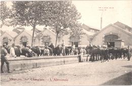 FR03 MOULINS - 10° Chasseurs - L'abreuvoir - Animée - Belle - Moulins