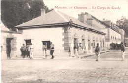 FR03 MOULINS - 10° Chasseurs - Le Corps De Garde - Animée - Belle - Moulins