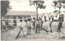 FR03 MOULINS - 10° Chasseurs - Corvée De Quartier - Animée - Belle - Moulins
