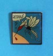 1 PIN'S //    ** JE TABLE ** SERINGUE **. (© 1991 Yann Broca) - Medical