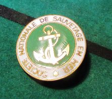 S.N.S.M (Société Nationale De Secours En Mer) - Insigne - Broche - Chobillon - Insigne & Ordelinten