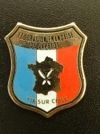 PIN'S FEDERATION FRANCAISE DE JAVELOT - TIR SUR CIBLE - Badges