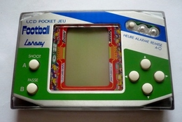 LANSAY - FOOTBALL  LCD POCKET JEU - Jeu à Cristaux Liquides + Montre Avec Alarme - Nintendo Game Boy