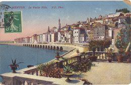 Menton . La Vieille Ville .  Circulée 1913 . - Menton