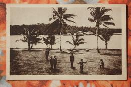 CAROLINAS Y MARIANAS Old Vintage Postcard - The Beach -  Aborigens - Mariannes