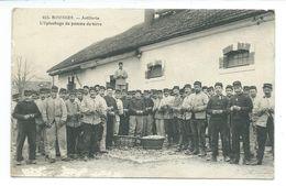 18/ CHER...BOURGES. Artillerie. L'Epluchage De Pomme De Terre - Bourges