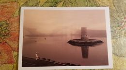 Modern Postcard  / Wartching Tower -Abu Dhabi - Dubai