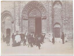 P287  Photo Ancienne Sortie De L'Eglise St Nicolas à Blois Vers 1900 - Photos