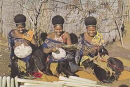 SWAZILAND - WOMEN MAKING SISAL BASKETS - Swaziland