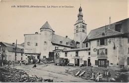 74 - Haute-savoie - Megève La Place Et Le Clocher - Poste Télégraphe - Café Et Magasins CPA Non écrite - Megève