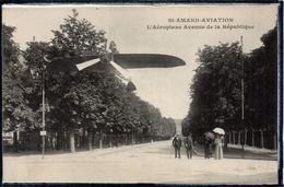 SAINT AMAND MONTROND - AVIATION - L'AEROPLANE AVENUE DE LA REPUBLIQUE - AVION - ANIMATION - BEAU PLAN - Saint-Amand-Montrond