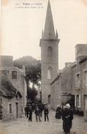 22 COTES D'ARMOR - ERQUY L'Eglise, La Sortie De La Messe - Erquy