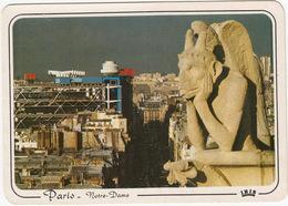 Paris - Le Penseur Des Tours De Notre-Dame, A L'arrière-plan Le Centre Georges Pompidou - Notre-Dame De Paris
