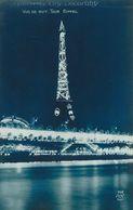 75 - PARIS - Exposition Des Arts Décoratifs. Vue De Nuit. Tour Eiffel - Expositions